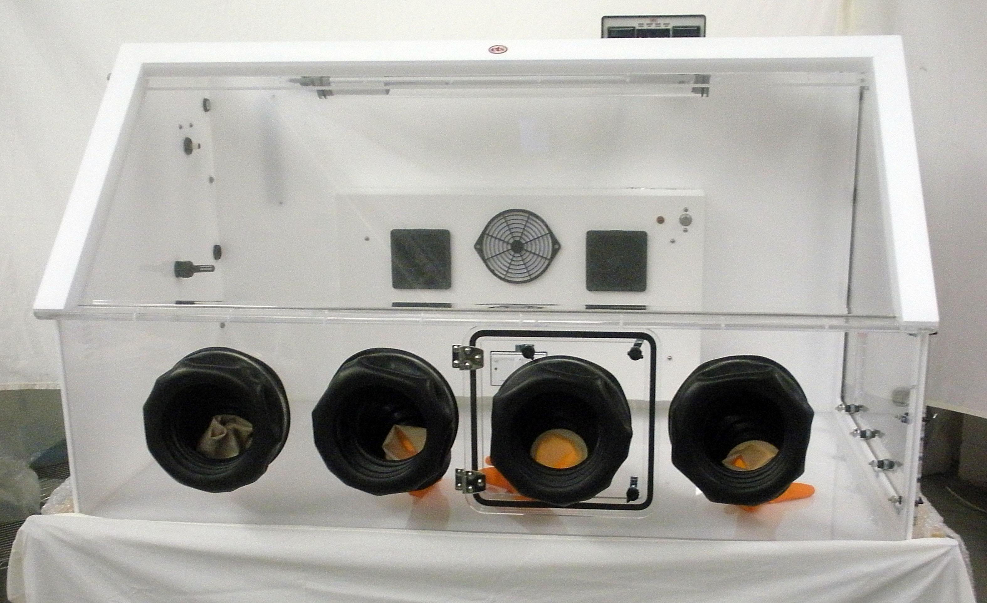 Model 5515 – The SUBZERO Glove Box Environmental Chamber