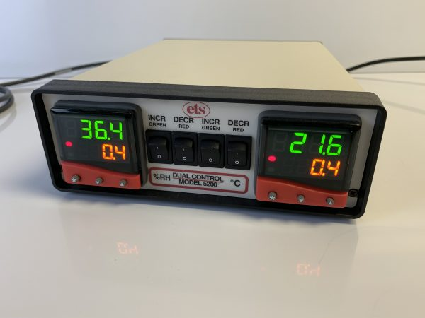 Series 5000 Humidity and Temperature Controllers – Model 5200-441-431 shown